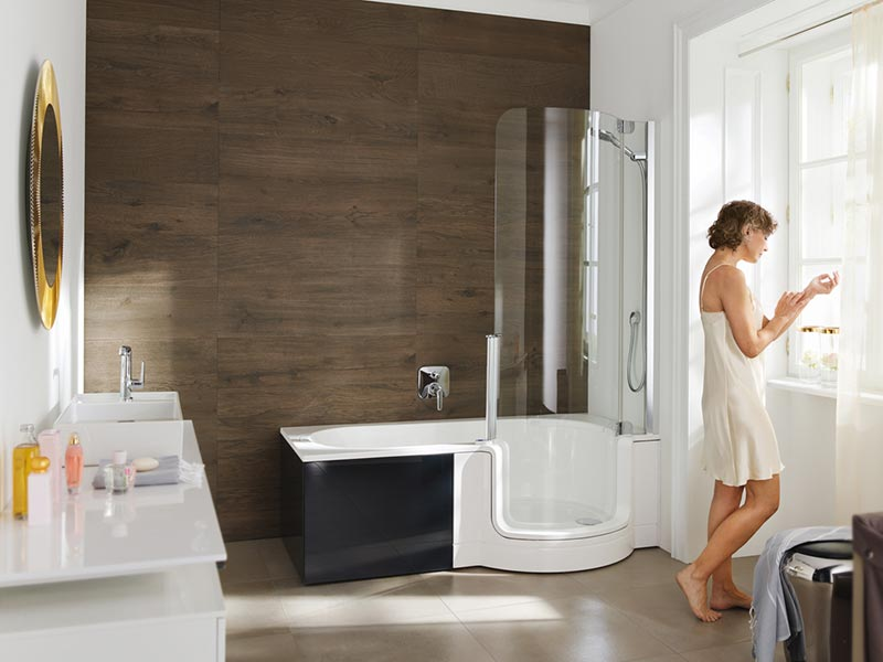 Les-baignoires-à-portes-Artweger-pour-facilité-l'accessibilité